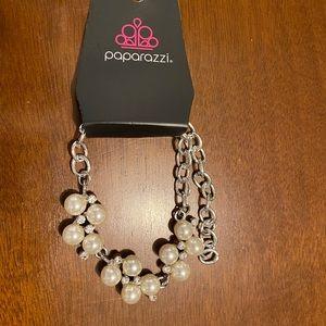 Womens paparazzi pearl bracelet